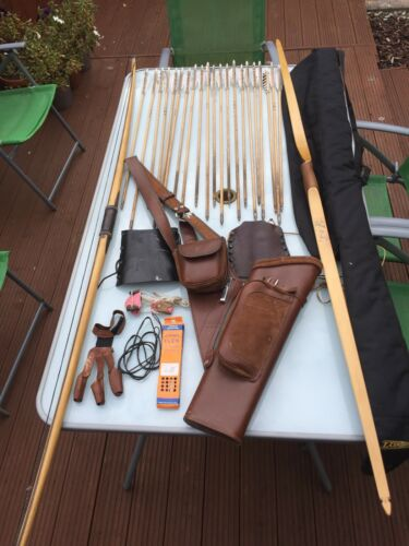compleat archery set 2 bows and 21 arrows quiver strings arm protectors and bag