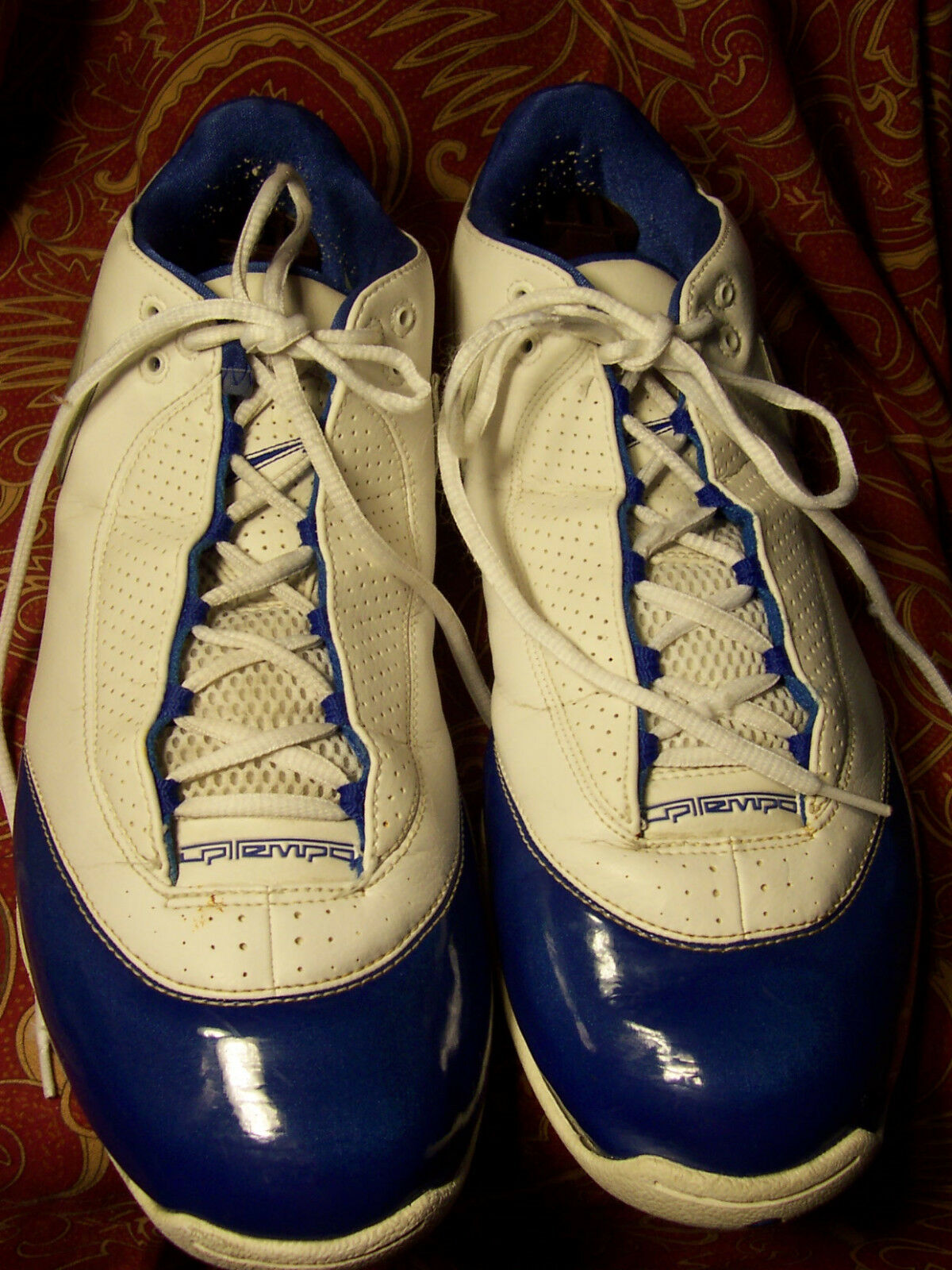 NIKE   ZOOM SIZE 13M IN BLUE AND WHITE GOOD CONDITION MISSING INSERTS  Wild casual shoes