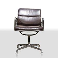 Charles Eames Stuhl EA207 Aluminium Group Soft Pad Herman Miller by Vitra Leder