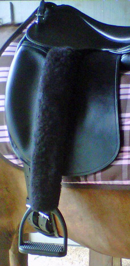 Merino Sheepskin 2 Stirrup Strap Leather Covers 18 lungo TUBE or HOOK & LOOP
