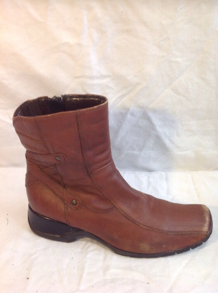 Clarks Brown Ankle Leather Boots Size 5D