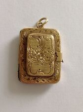 Charming Regency FINE inciso 9ct Gold Medaglione Rettangolare a cerniera