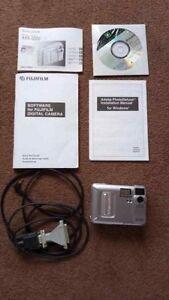 Fujifilm-MX-1200-1-3MP-Digital-Camera-Silver
