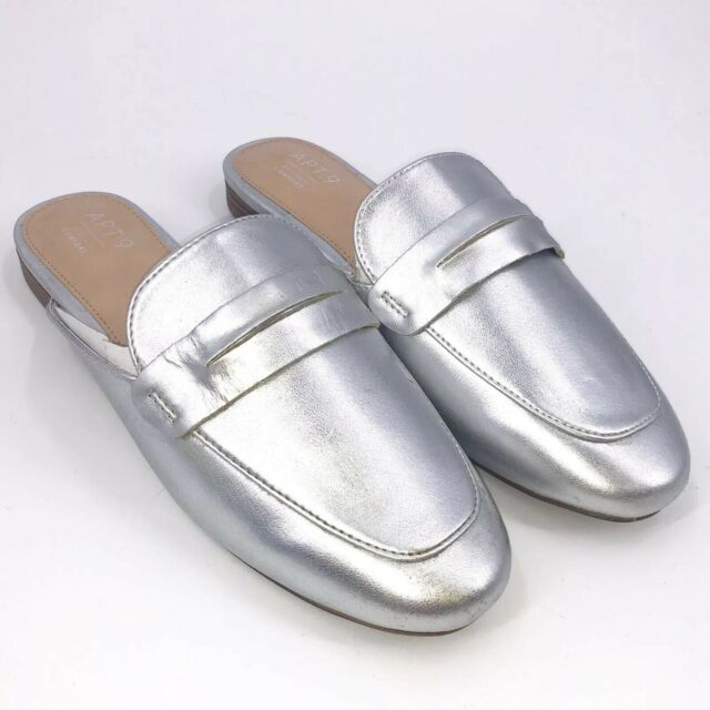 APT 9 Slip on Loafers Size 7.5 Silver