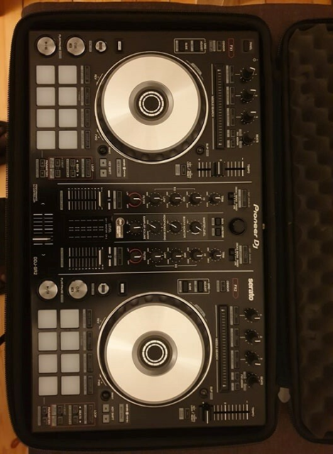 dj controller, pioneer ddj sr2, working perfectly. selling…