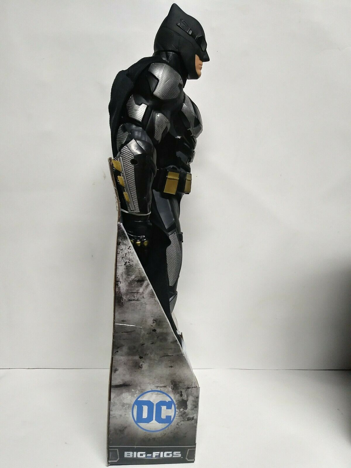 Jakks Jakks Jakks Pacific DC Justice League Batman TACTICAL suit 19 Inches Big-Figs b057f7