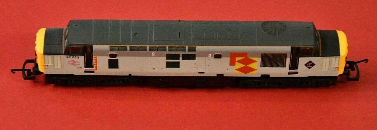 Lima Lok H0 - No 241 L204737 37673 in Railfreight Distribution