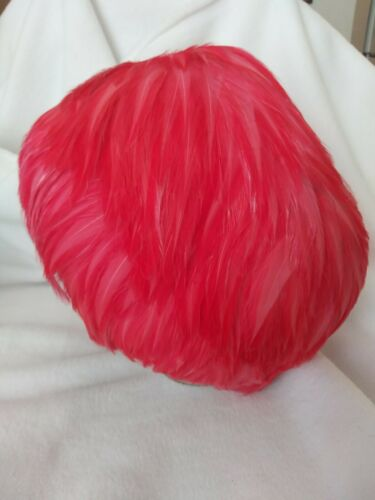 """VINTAGE """"DESIGNED BY LORA"""" PINK FEATHERED HAT! STU"""