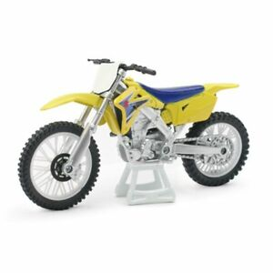NEW RAY MODELLINO MOTO CROSS MX SUZUKI RMZ 450 SCALA 1:12 MODEL BIKE IDEA REGALO