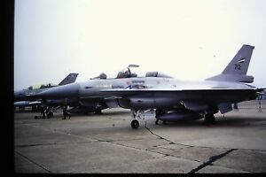 4-472-2-General-Dynamics-F-16-Real-Noruego-Air-Force-Kodachrome-Deslizar