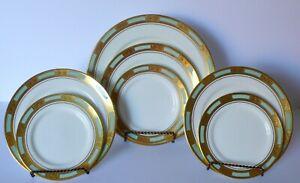Lot-of-7-Aynsley-Empress-Turquoise-Light-Green-Bone-China-Plates-Set