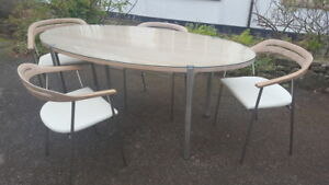 A Stunning Retro 60s Style Modern Oval Dining Table with 4 ...