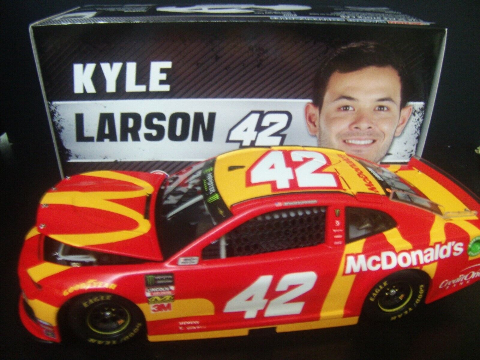Kyle Larson 2019 McDonald's  42 Ganassi Camaro 1 24 NASCAR