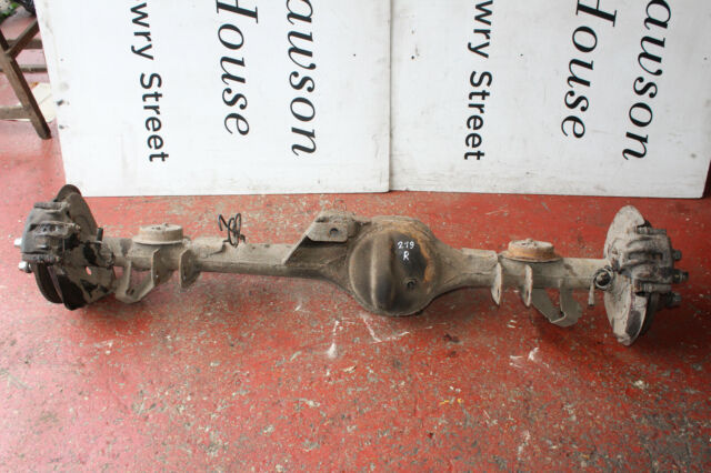 LAND ROVER DISCOVERY 1 TD5 2.5 1998-2004 REAR AXLE WITH SUSPENSION HUBS HRC1124