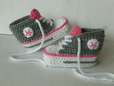 Chucks Boots Turnschuh Sneakers Handarbeit  gehäkelt  9,5 cm silbergrau Baby