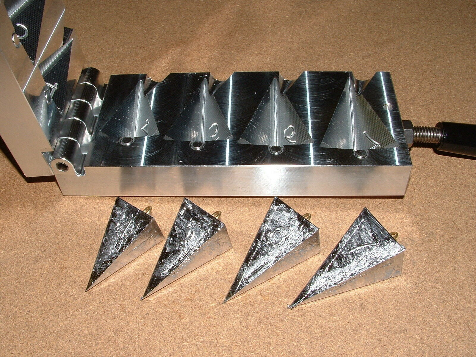 Saltwater  Pyramid Sinker mold 4,5,6,7oz CNC Aluminum Surf Beach  cheaper prices