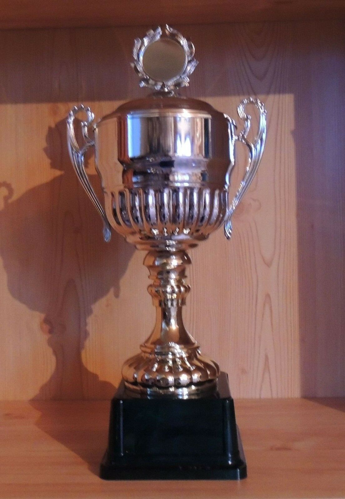 1 Henkelpokal Wanderpokal silber mit Emblem 48cm  EZ8(Pokal Pokale Gravur Sport)