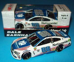 Dale-Earnhardt-Jr-2017-Nationwide-Patriotic-88-Chevy-SS-1-64-NASCAR-Diecast