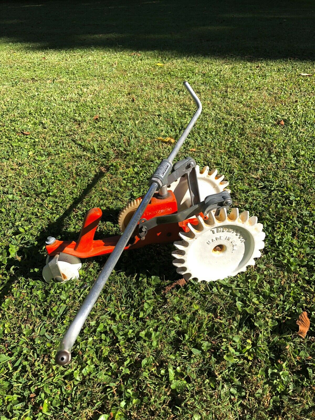 Vintage Thompson Traveling Tractor Walking Cast Iron Lawn Sprinkler Orange/White