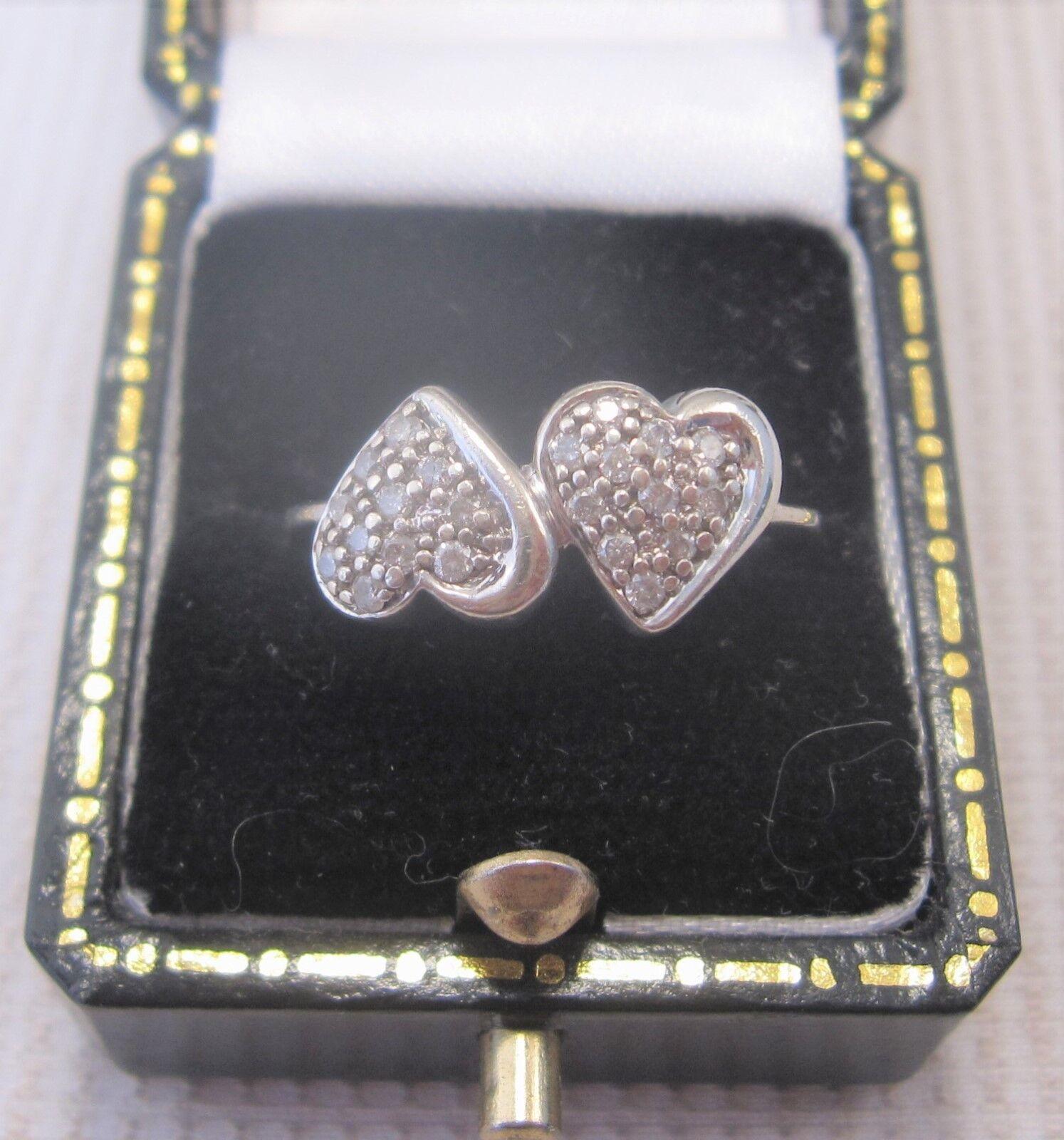 Anello di Diamanti Diamanti Diamanti Cuore impostato in oro bianco 9ct fa3a0f