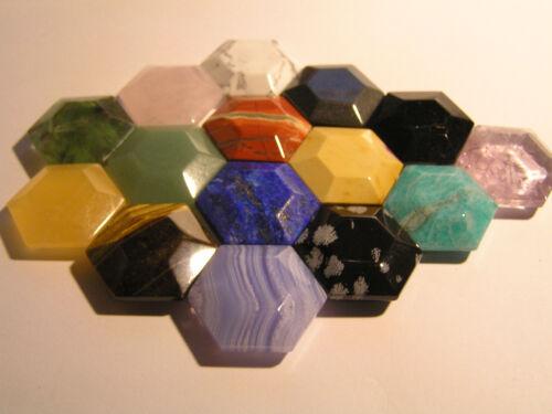 30 mm verschiedene Exemplare Handschmeichler Hexagon