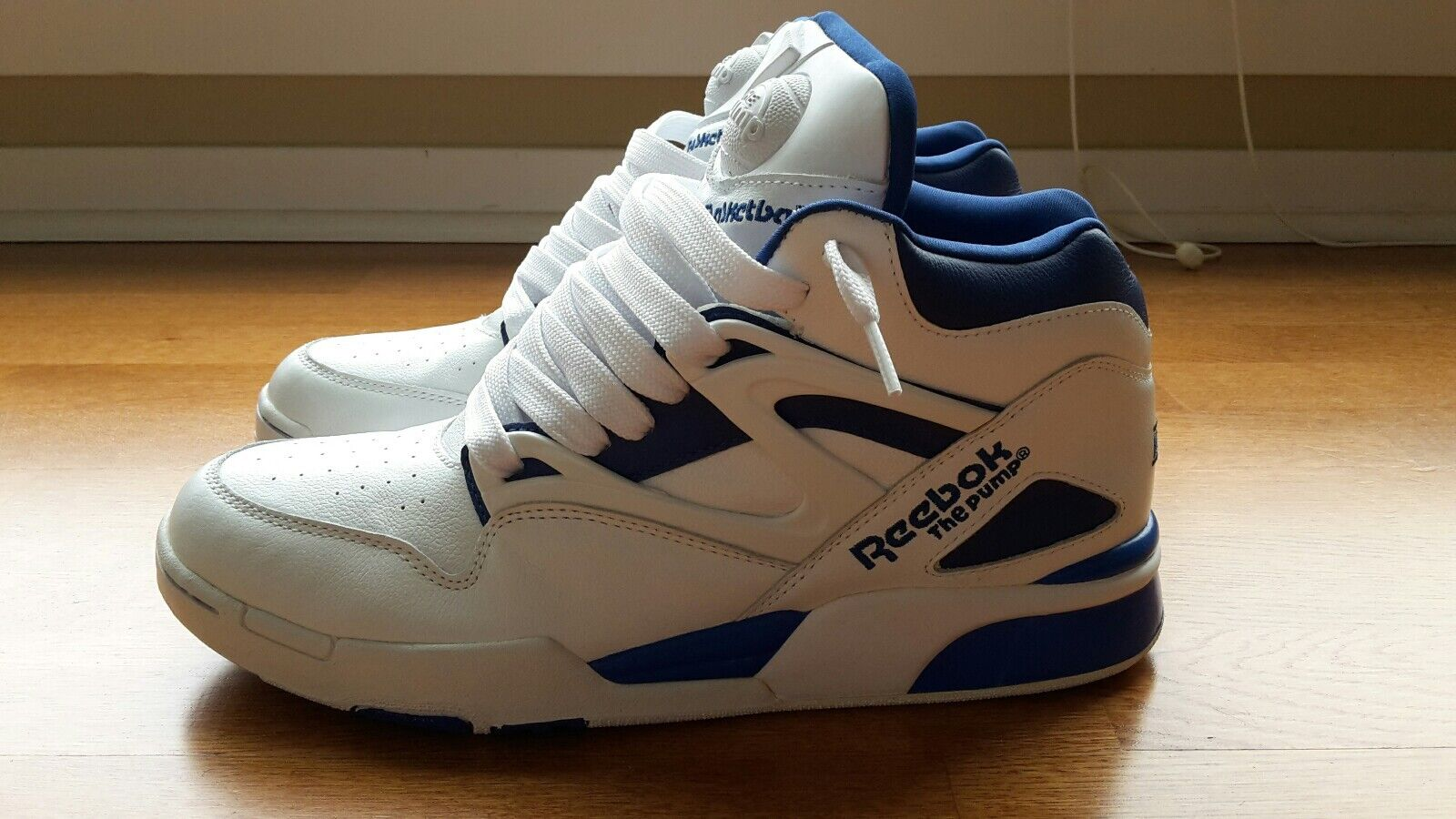 Reebok Pump Omni Lite White and Sky bluee Size 11 (only one model made)
