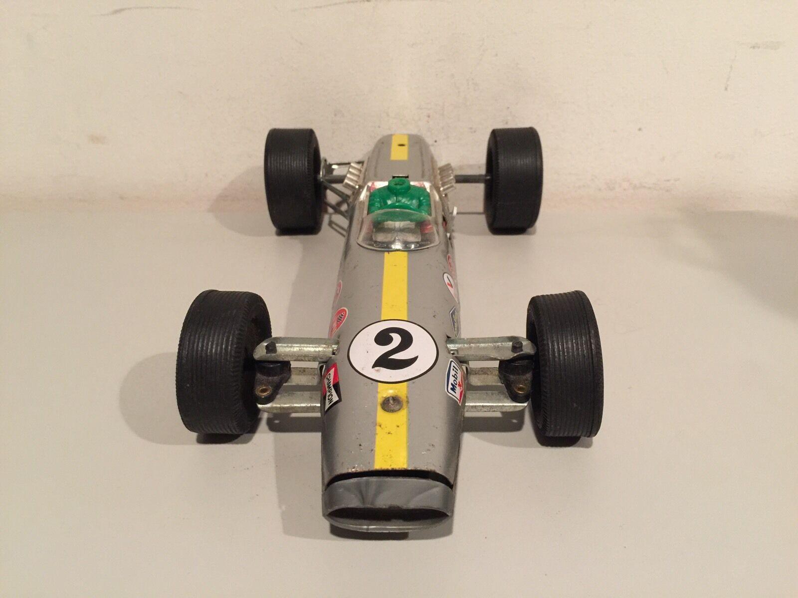 VINTAGE DAIYA LOTUS FORMULA 2 2 2 RACE CAR MADE IN JAPAN TIN AND PLASTIC VERY RARE  f57