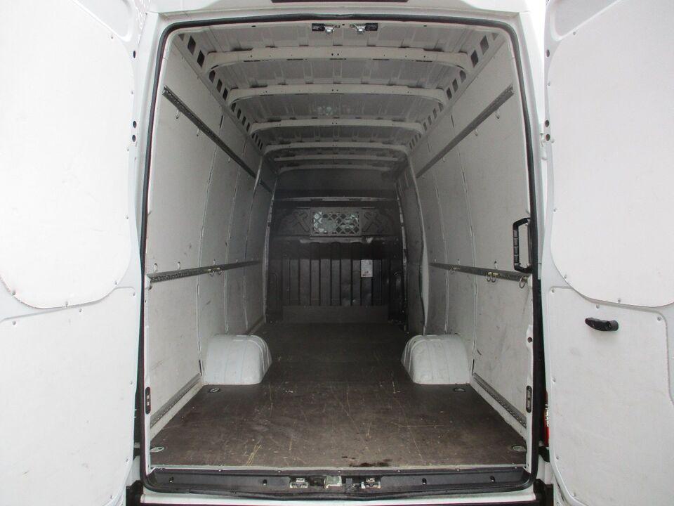 Iveco Daily 3,0 35C17 16m³ Van d Diesel modelår 2015 Hvid km