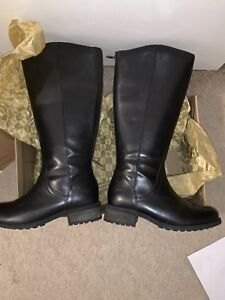 efac994e701 Details about UGG Leather Zip Up Boots Size 5 BLACK