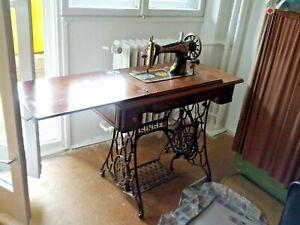Vintage-Antique-SINGER-sewing-machine-treadle-table-cast-iron-legs