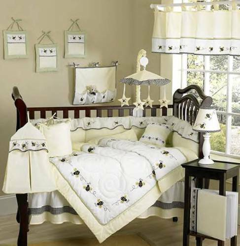 BRAND NEW 5 PIECE COT SET GORGEOUS BUMBLE BEE DESIGN