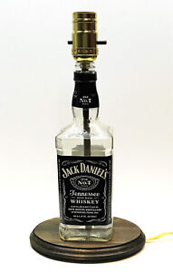 Classic-Whiskey-Liquor-Bottle-TABLE-LAMP-w-Wood-Base-Bar-Lounge-Man-Cave-Decor