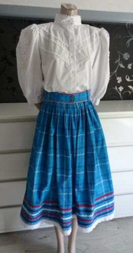 Bavarian German Dirndl Skirt and Blouse Outfit 14-