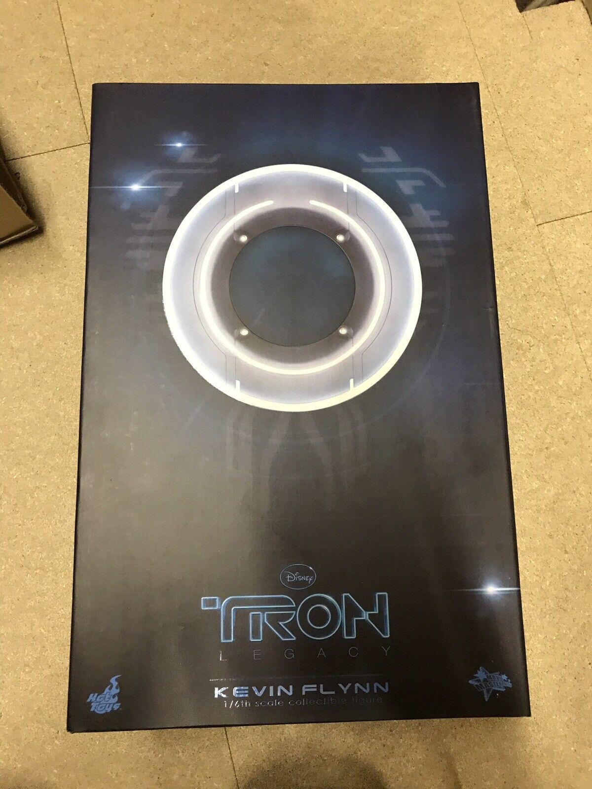 Movie Masterpiece Tron  Legacy 1 6 scale figure Kevin Flynn