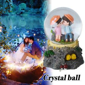 WR-Junge-Maedchen-kuessen-Schneekugel-Wasserball-mit-Licht-und-Musik-Geschenke