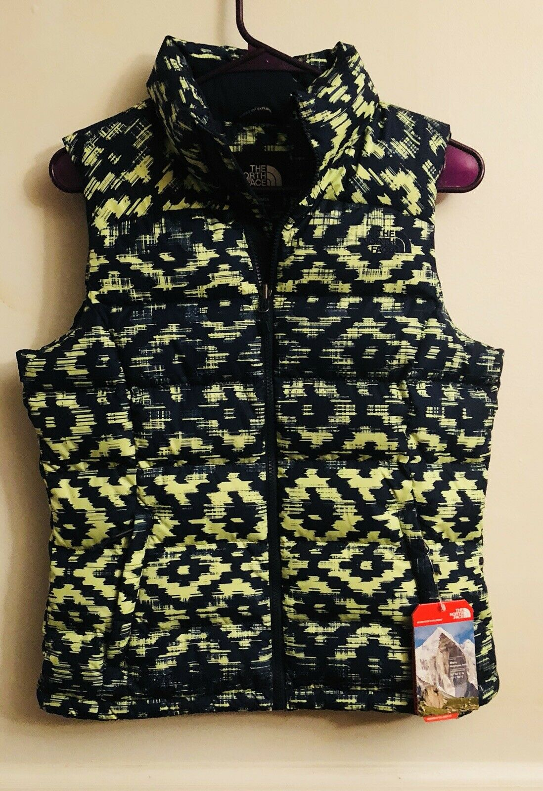 NWT WOMANS THE NORTH FACE DOWN VEST NUPTSE SIZE S SMALL NEW