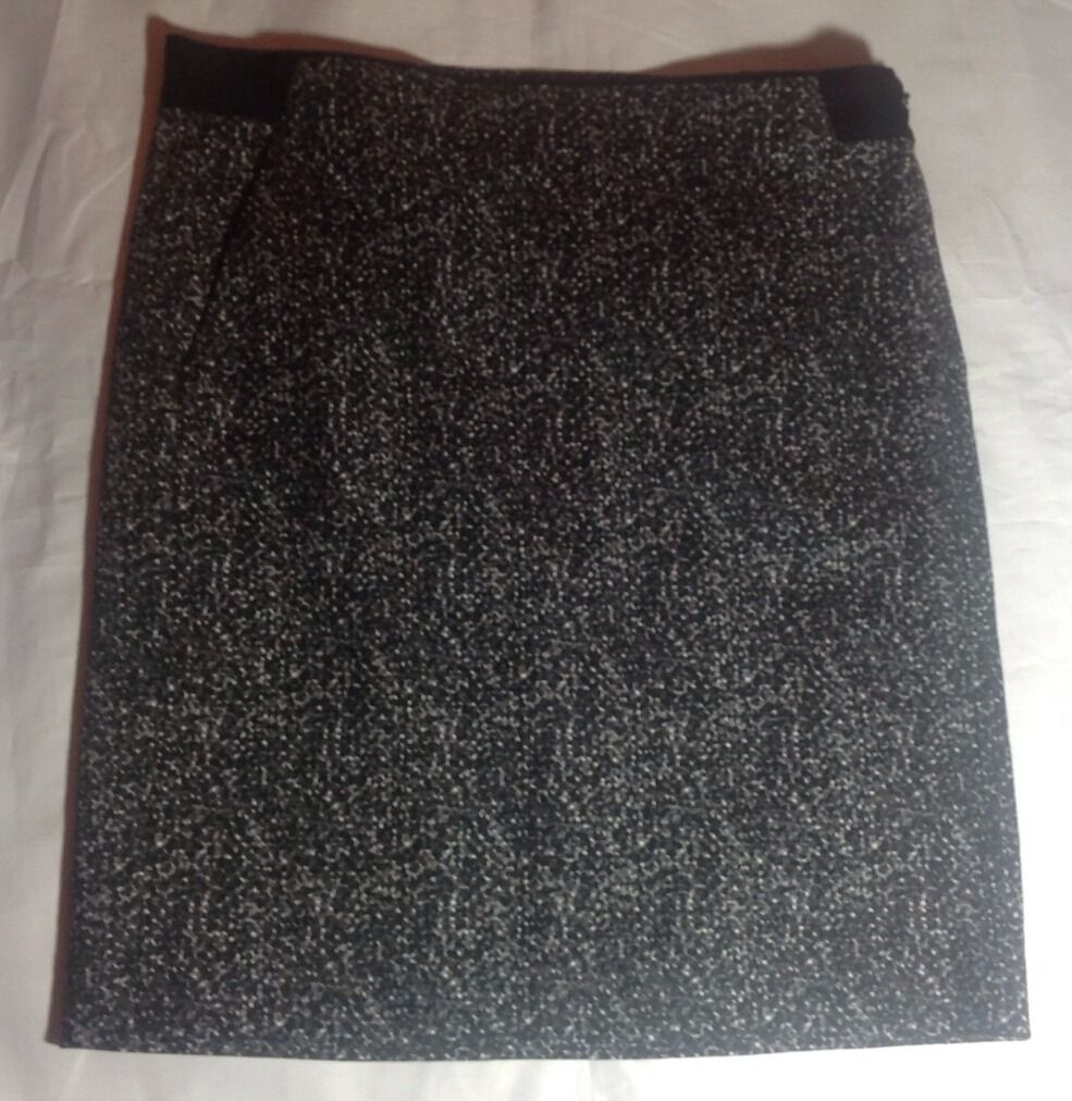 NWT  215 Theory Thais Tweedy Dotted Cotton Skirt Size 2