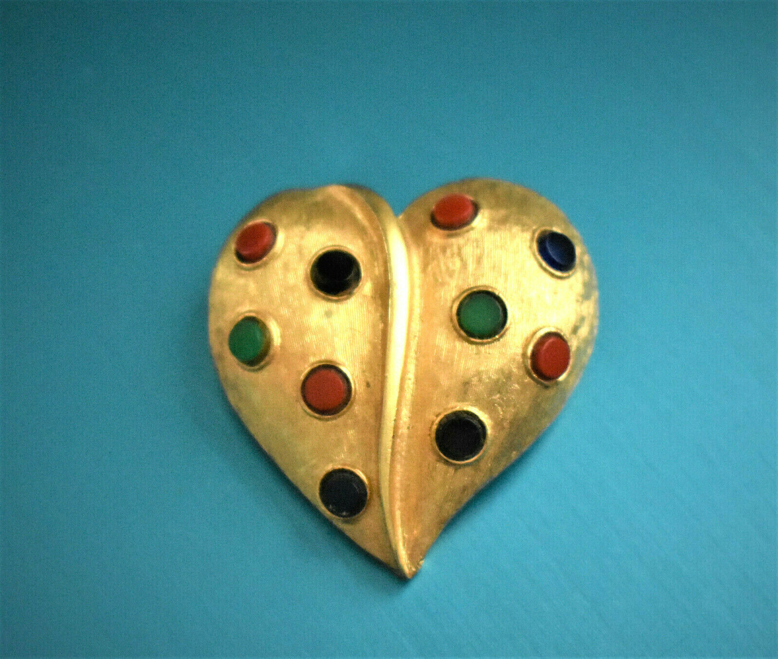 FABULOUS RARE SIGNED KRAMER COLORFUL POLKA DOT HEART ENAMELED  BROOCH KB5