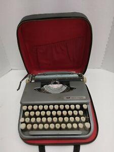 Smith Corona Skyriter vintage typewriter with case