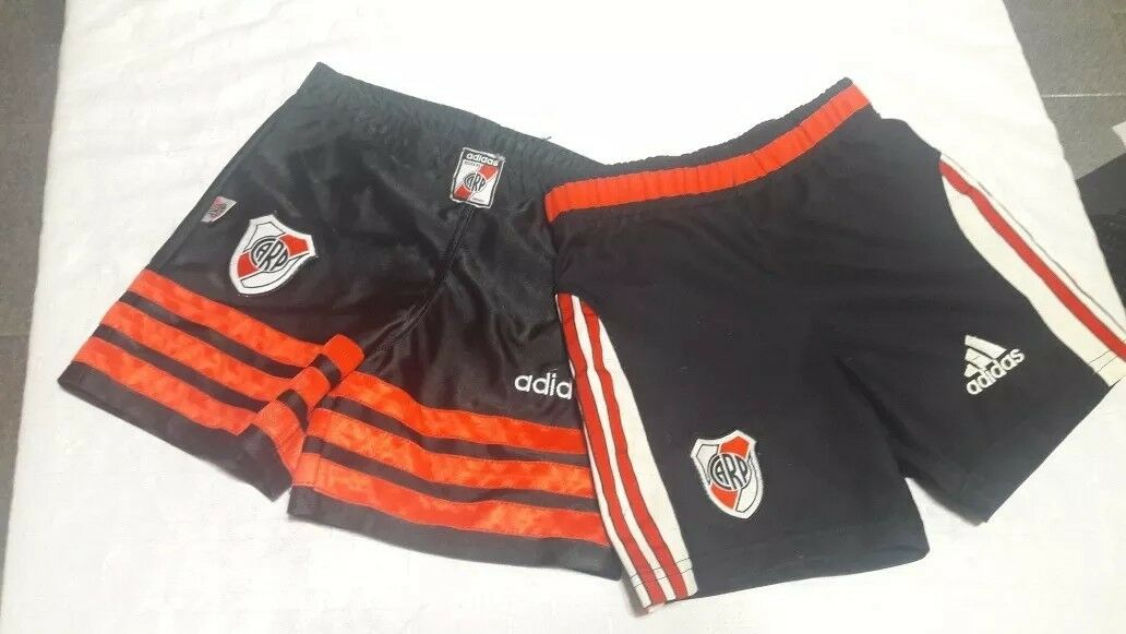 2 two old shortsRiver plate .argentoina  Diuominiione boy 6  7   aprox. original