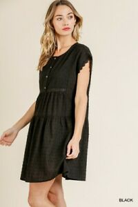 Umgee-Black-Swiss-Dot-Eyelet-Crochet-Lace-Short-Sleeve-Dress-Size-Small