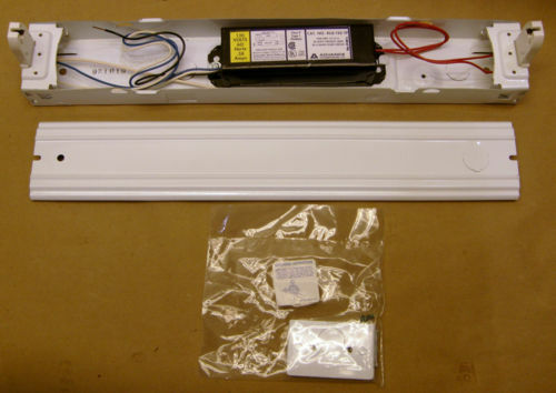 "17/"" Fluorescent Light Fixture Single Bulb 120v 20 Watt"