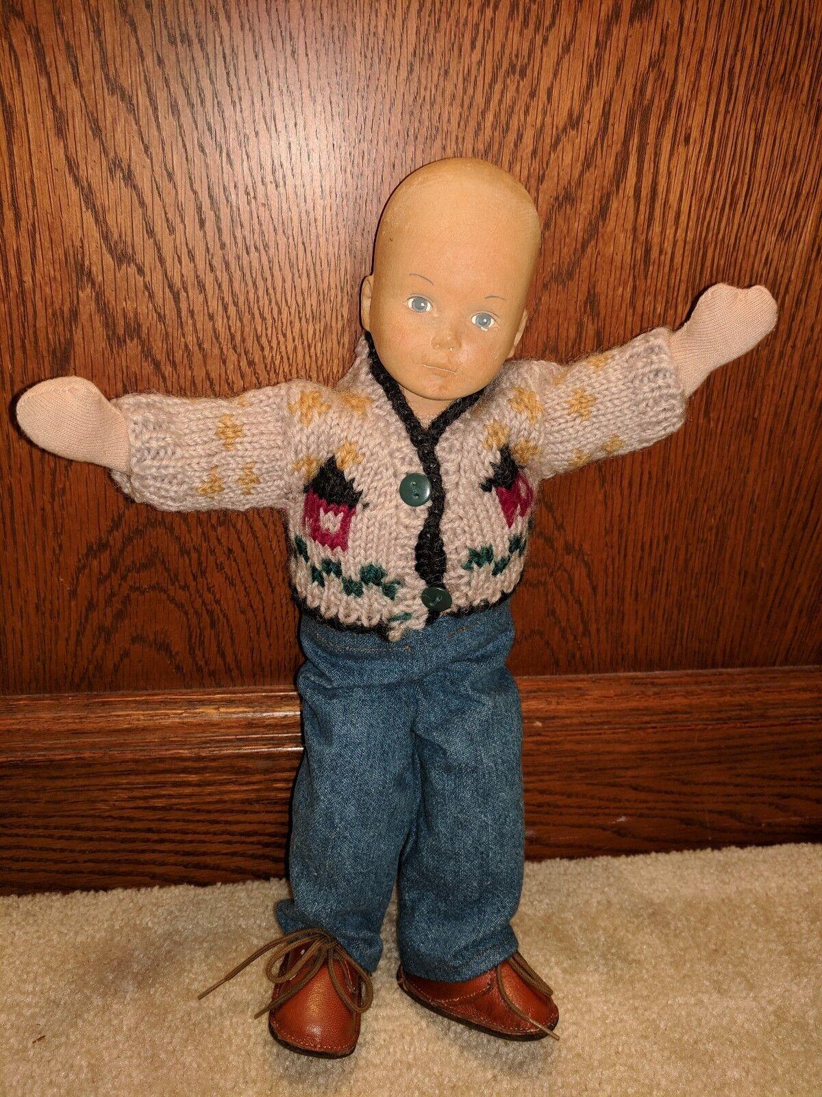 13 pulgadas muñeca de madera de niño con peluche cuerpo-Hobby Ritsch uno de una clase