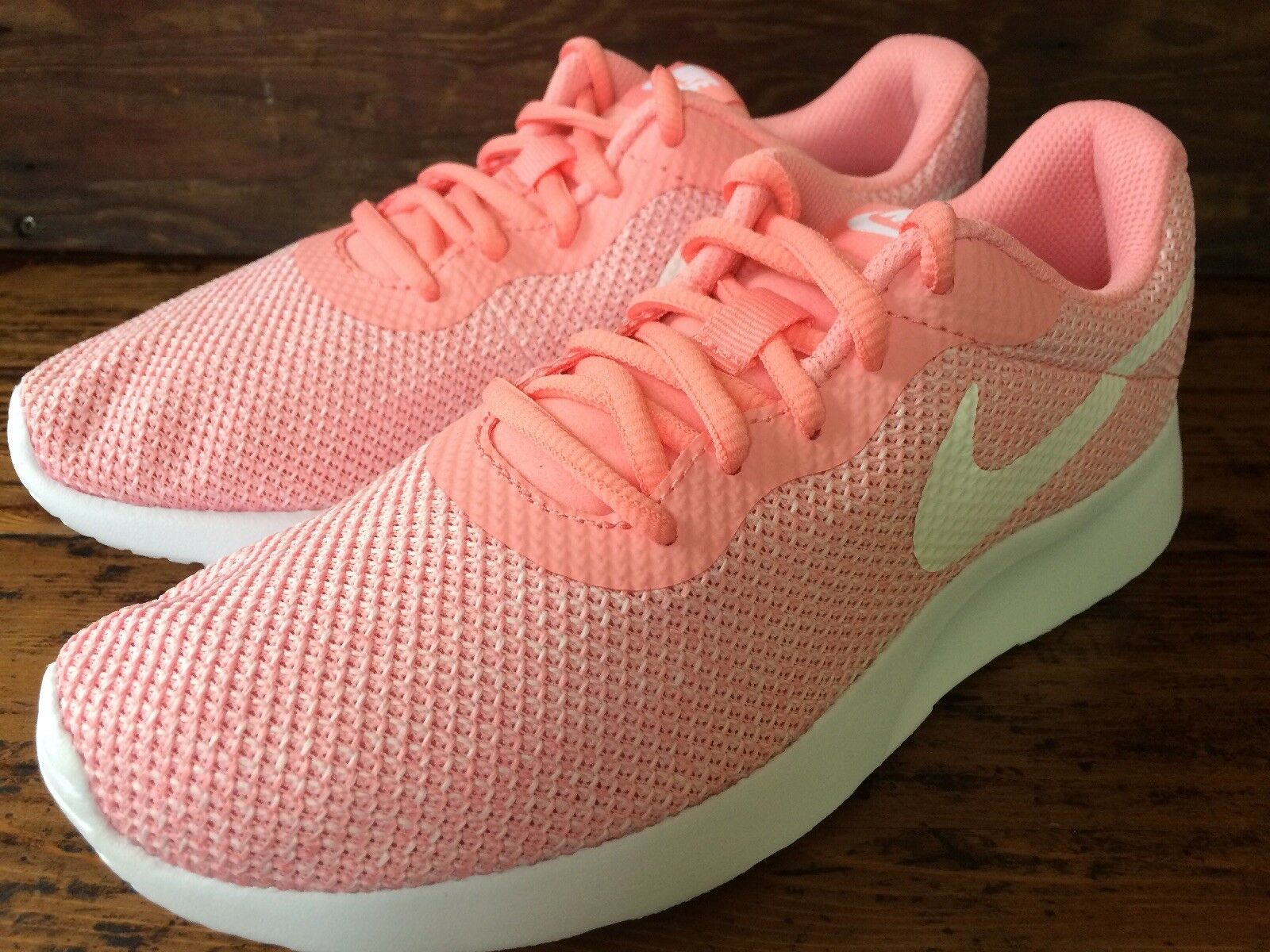 Size 6 Womens Tanjun Lightweight Running shoes Bright Melon White Pink Sneakers