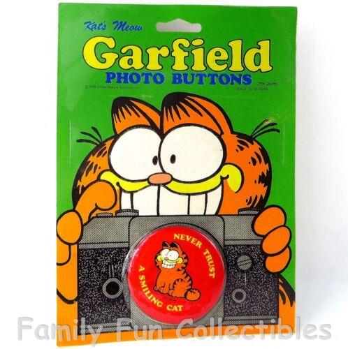 GARFIELD~1990s Kat/'s Meow~Photo Button~Pin Back Tin Lapel~Cartoon Figure~K~NOC