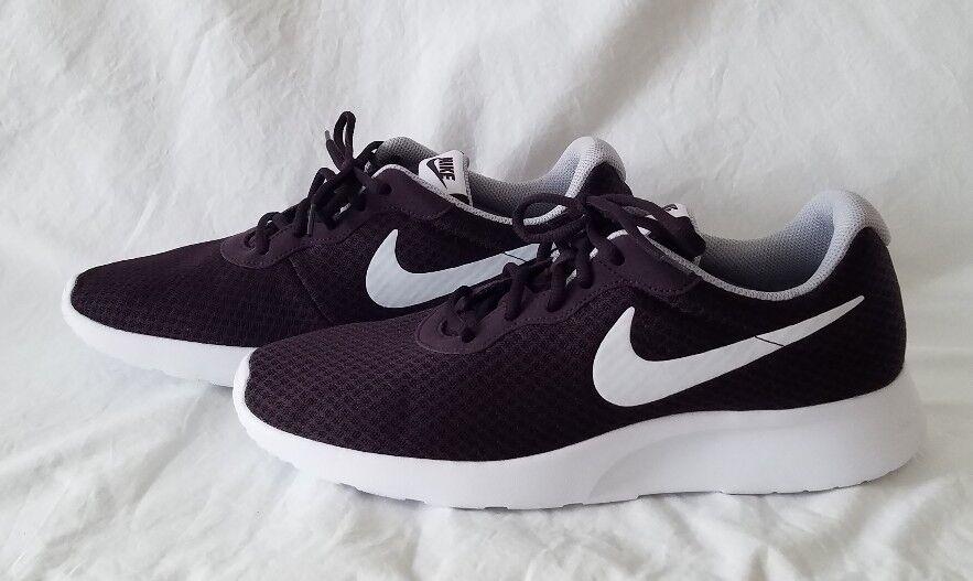 Nike Tanjun Mens NEW 812654-600 Port Wine White Gray Athletic Shoes Mens Size 11