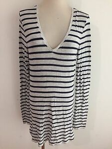 MAX-STUDIO-V-Neck-Knit-Tunic-Top-Marled-Gray-w-Navy-Stripes-Size-S