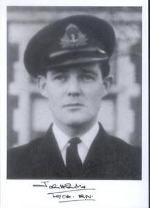 SPBB45-WWII-WW2-Spitfire-BoB-Battle-of-Britain-pilot-SYKES-RN-signed-photo