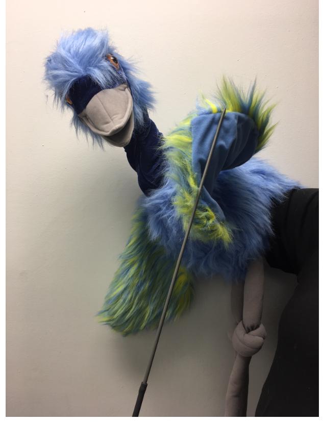 Riesige wwu vogel ganzkörper - hand   arm - marionette gebündelt.