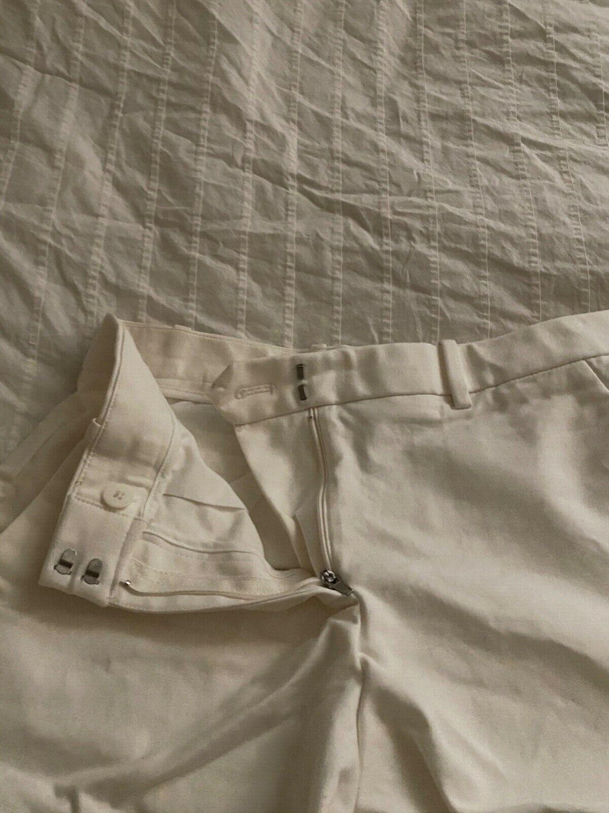 Gap Tailored White Shorts 00R - image 3